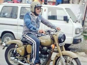 Riding Royal Enfield on Manali roads during Tubelight shoot