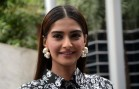 Sonam Kapoor to be feted at Asia Vision Movie Awards