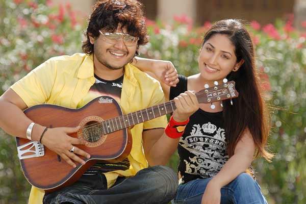 Yami Gautam in Kannada film Ullasa Utsaha with Actor Ganesha