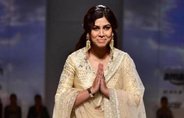 Sakshi Tanwar sizzles as showstopper for Anju Modi at AIFW