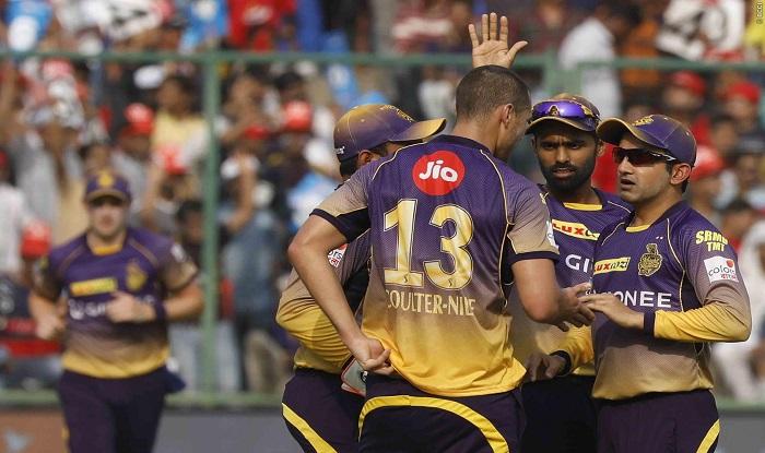Kohli pulls up RCB batsmen for reckless show