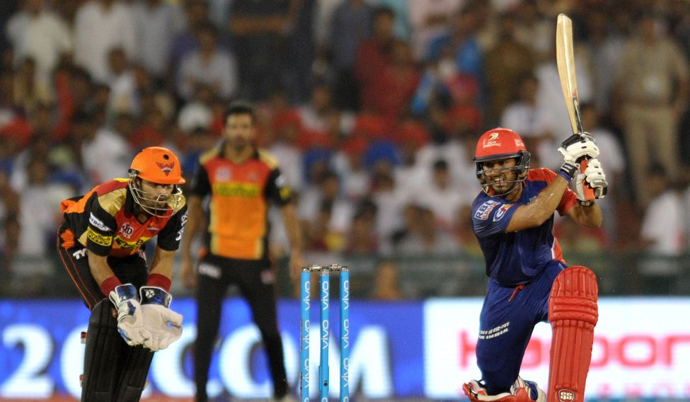 IPL-10: Delhi keep play-offs dreams alive with 6-wicket win over Sunrisers